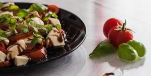 La salade: elle peut aider mais ne fait pas tout et n'est pas une obligation