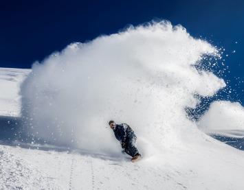 snowboarding-1882881_640